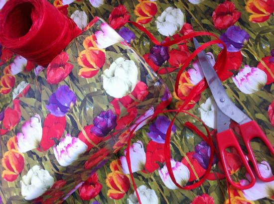 Gift Wrap, TULIPS image